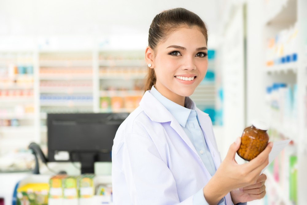 Pharmacy Technician Salary, Qualifications, & Everything Else