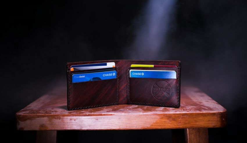 Personal Finance 101: Understanding the Pros and Cons of Credit Cards