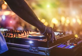 How to Become a DJ Professionally This Year