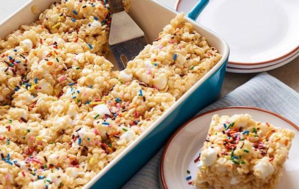 Rice Krispie Treats with Marshmallows