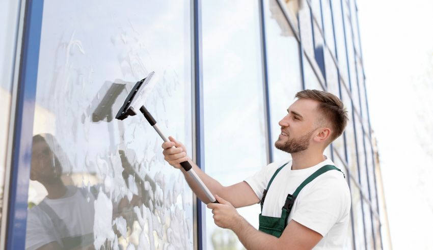 5 Main Benefits of Hiring Professional Window Cleaners