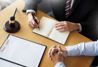 7 Key Questions to Ask Before Hiring a Personal Injury Lawyer