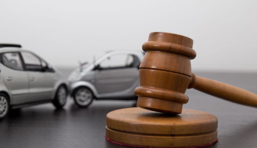 Do You Need a Personal Injury Attorney? 10 Tips to Know About Hiring Accident Lawyers
