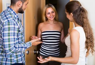 How to Meet New People: 5 Tips on Making Friends in the Adult World