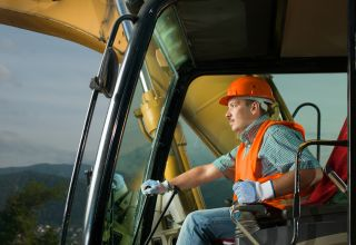 8 Best Heavy Equipment Operator Jobs to Apply for Now