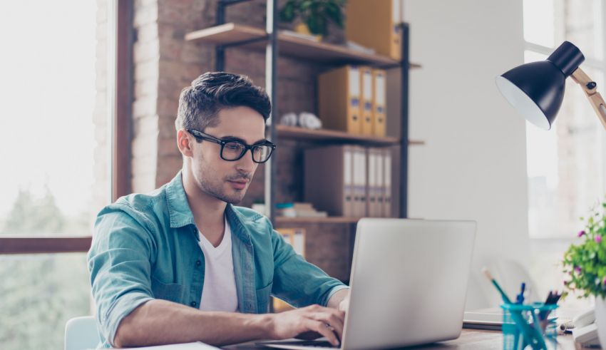 Effects Your Digital Screen at Work Has on Your Eyes