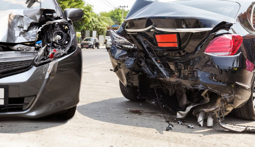 How to Avoid an Auto Crash: 5 Tips for Drivers in 2019