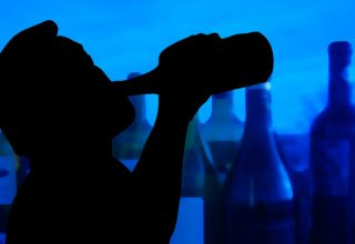 How to Recognize Alcoholic Behavior in an Employee