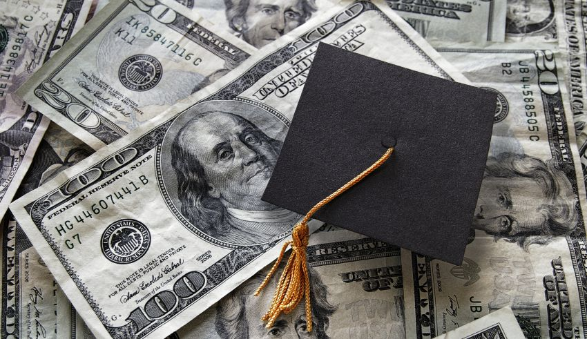 Learn How to Manage Your Debt With These Student Loan Tips